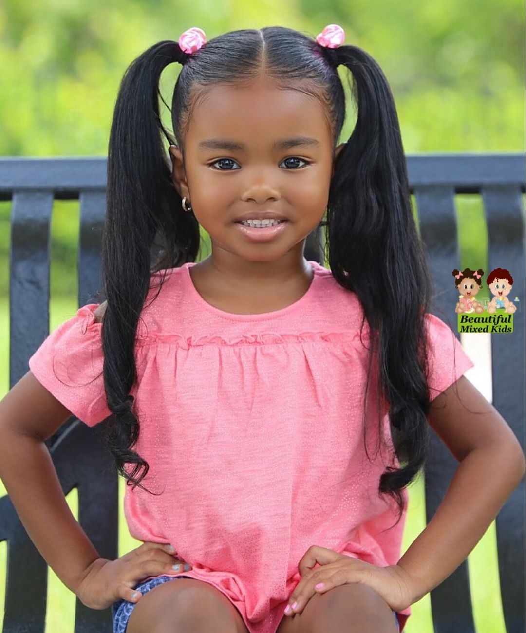 Diese Sechzehn Bildhubschen Kinder Haben Eltern Und Grosseltern Die Aus Teils Sehr Verschiedenen Land In 2020 Black Baby Girls Beautiful Black Babies Cute Black Babies