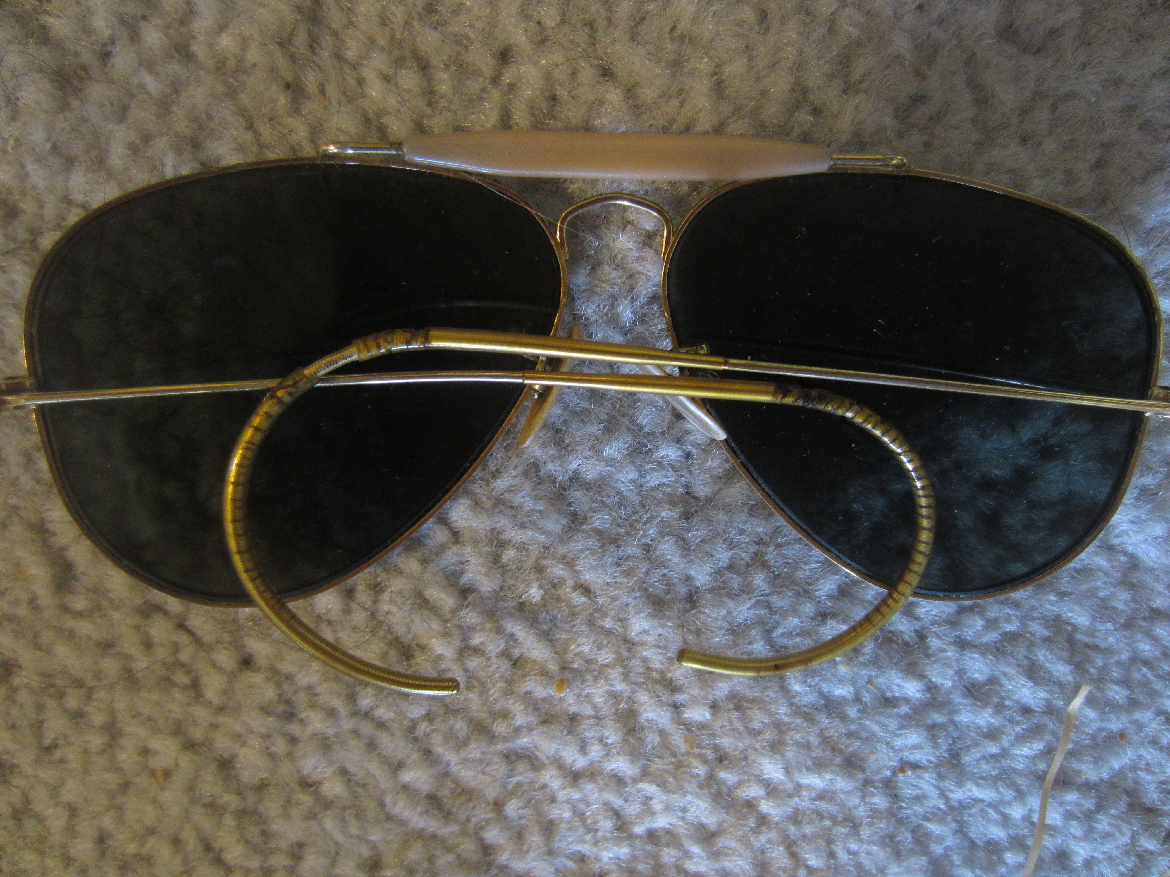 f928daeb6b11 RAY-BAN vintage OUTDOORSMAN gold AVIATOR SUNGLASSES & CASE BAUSCH & LOMB  green lens