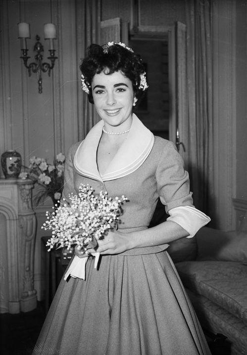 Elizabeth Tayloru0027s Wedding Dresses