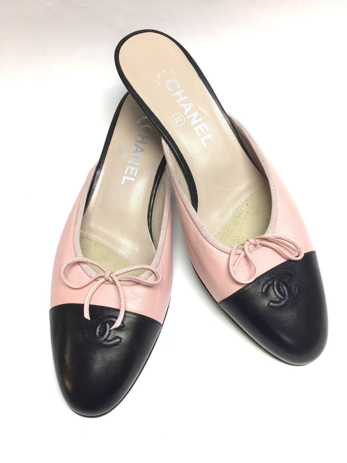 056f5674273b0b CHANEL Pink Leather Kitten Heel Slip-On Ballet Mules with Black Leather Cap  Toe Size  40   10