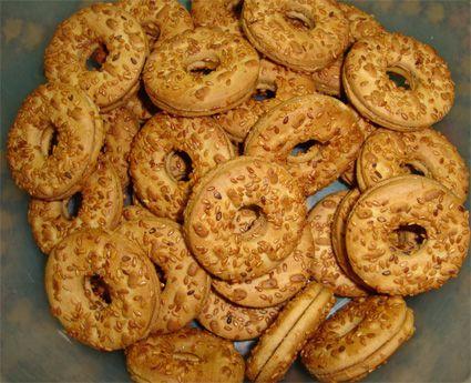 طريقة عمل بسكويت جوز الهند سهل وسريع خطوة بخطوة بالصور مدونة جبنا التايهة Recipes Food Biscuit Recipe