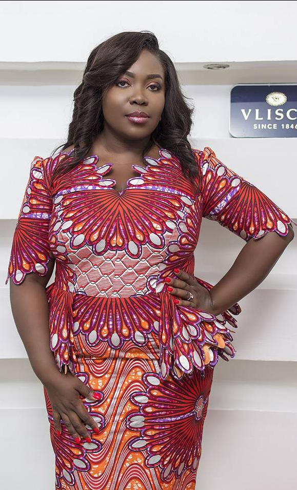 Stylista | Modele tenue africaine, Mode africaine robe, Mode africaine