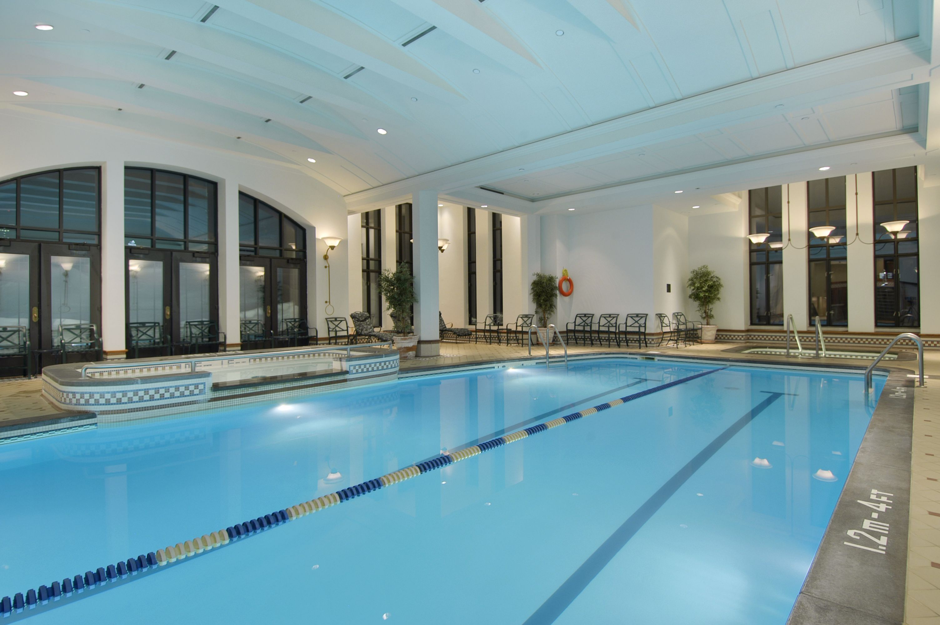 Fairmont indoor pool for Club piscine quebec city
