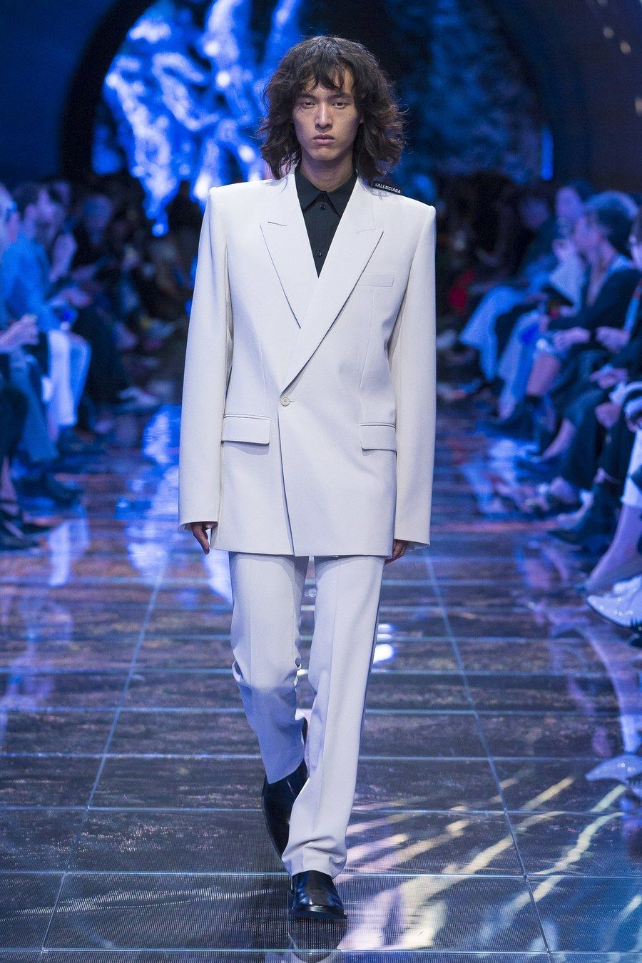 c7c3efdef527 Balenciaga Spring 2019 Ready-to-Wear collection, runway looks, beauty,  models, and reviews.