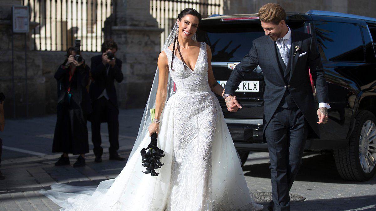 Sergio Ramos Und Pilar Rubio Heiraten Langes Abendkleid Formelle Kleider Heiraten