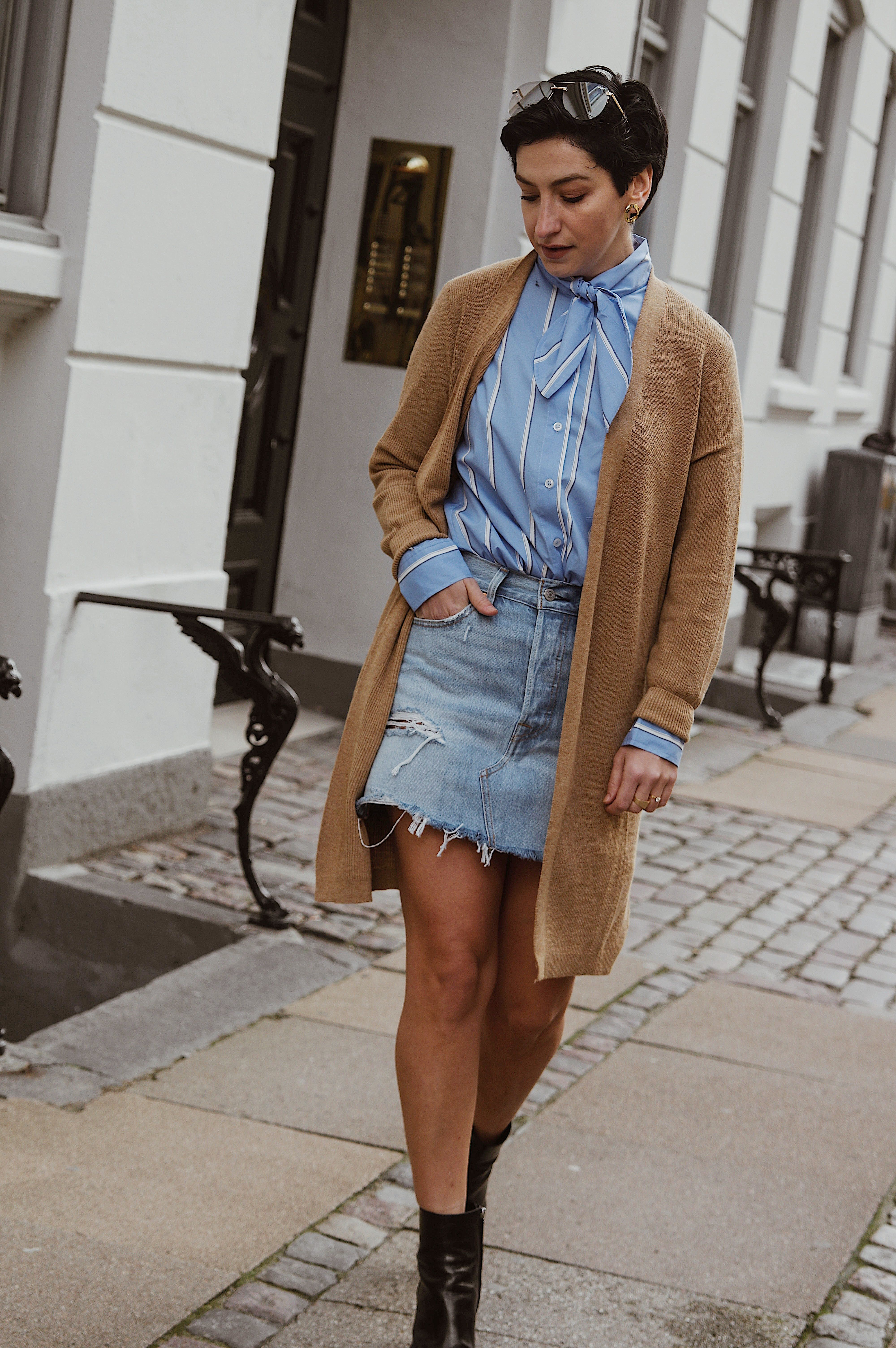 d56237cb5bf Spring Stylish outfit ideas, Scandinavian Streetstyle #springstyle  #springoutfit #outfitideas #streetstyle #scandinavanstyle #style Instagram @ beyouverywell ...