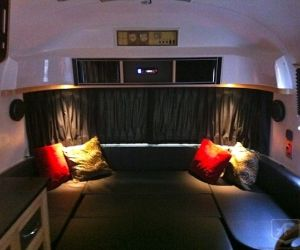 23 Ft 1974 Land Yacht Tradewind Interior Beautiful Trailers For All Your Events Airstream Interior Mobile Living Interior