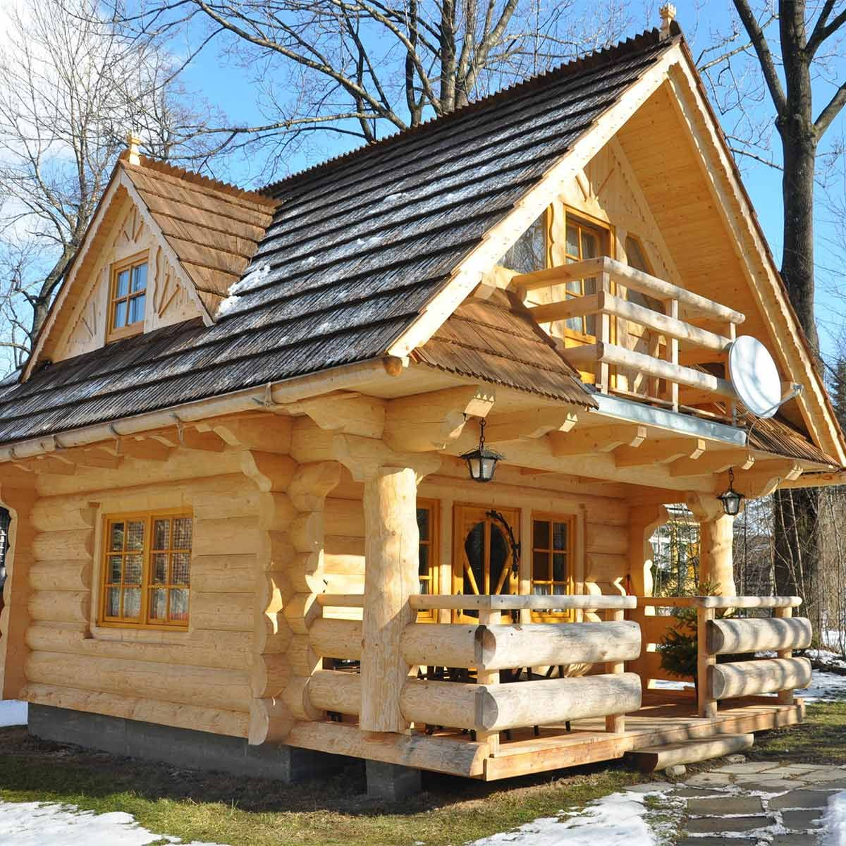16 Amazing Cabins You Have To See To Believe Small Log Cabin Tiny Log Cabins Little Log Cabin