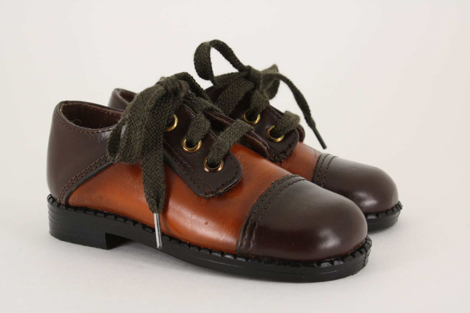 6f0a16221f7ac Vintage Brown Leather Oxford Saddle Shoes // Boys Size 10 US / 27 ...