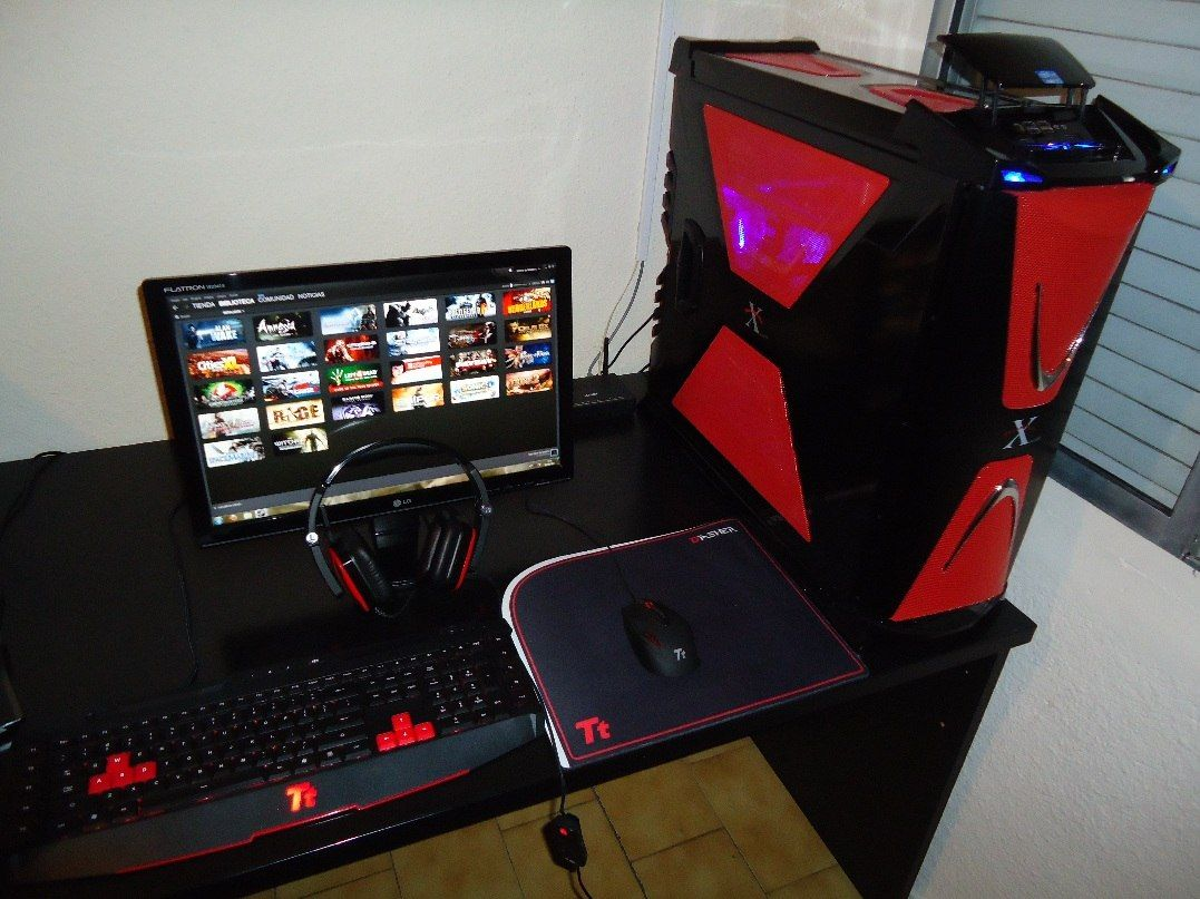 pc gamer computadoras y laptops pinterest pc gamer. Black Bedroom Furniture Sets. Home Design Ideas