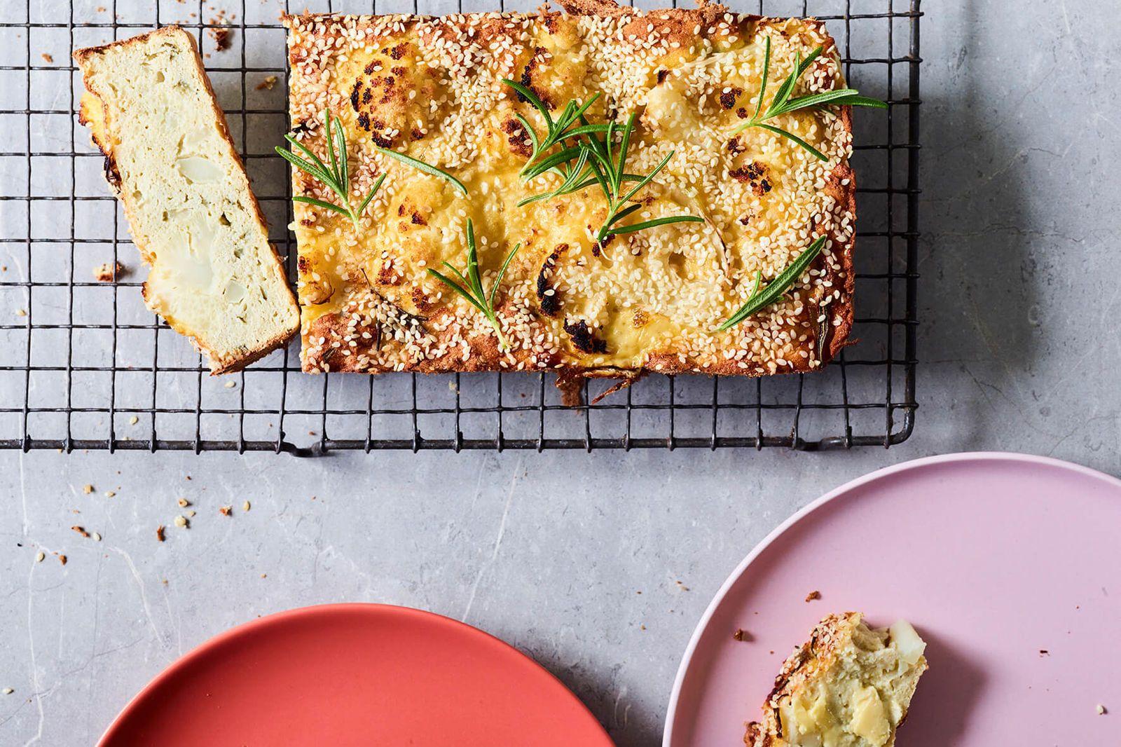 Garlic And Rosemary Cauliflower Bread Smart Carbs Luke Hines
