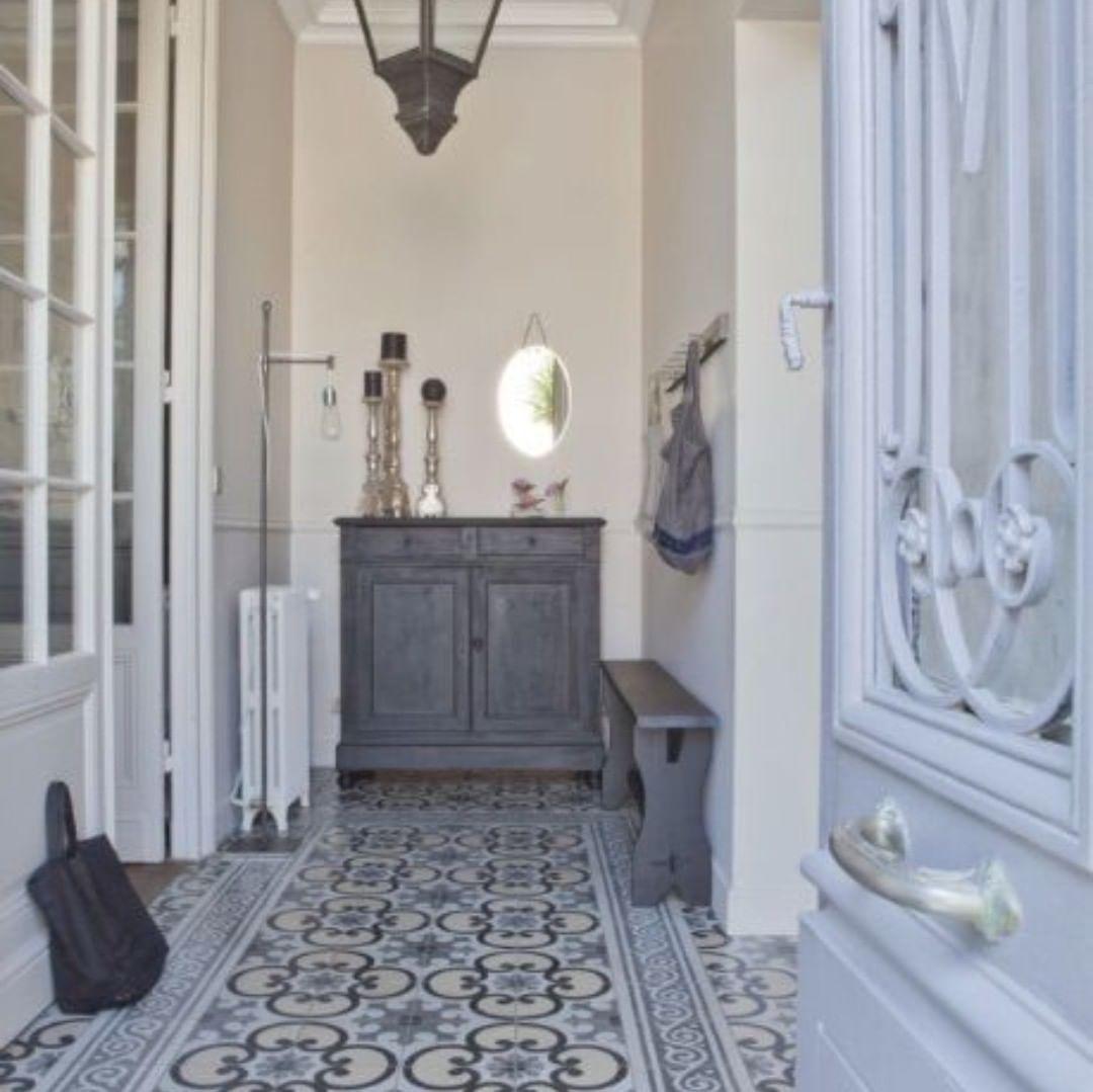 Carrelages Du Marais On Instagram On Rentre Dans Ce Week End En Beaute Decoration Interiordesign Victorian Hallway Pretty Floors Urban Cottage