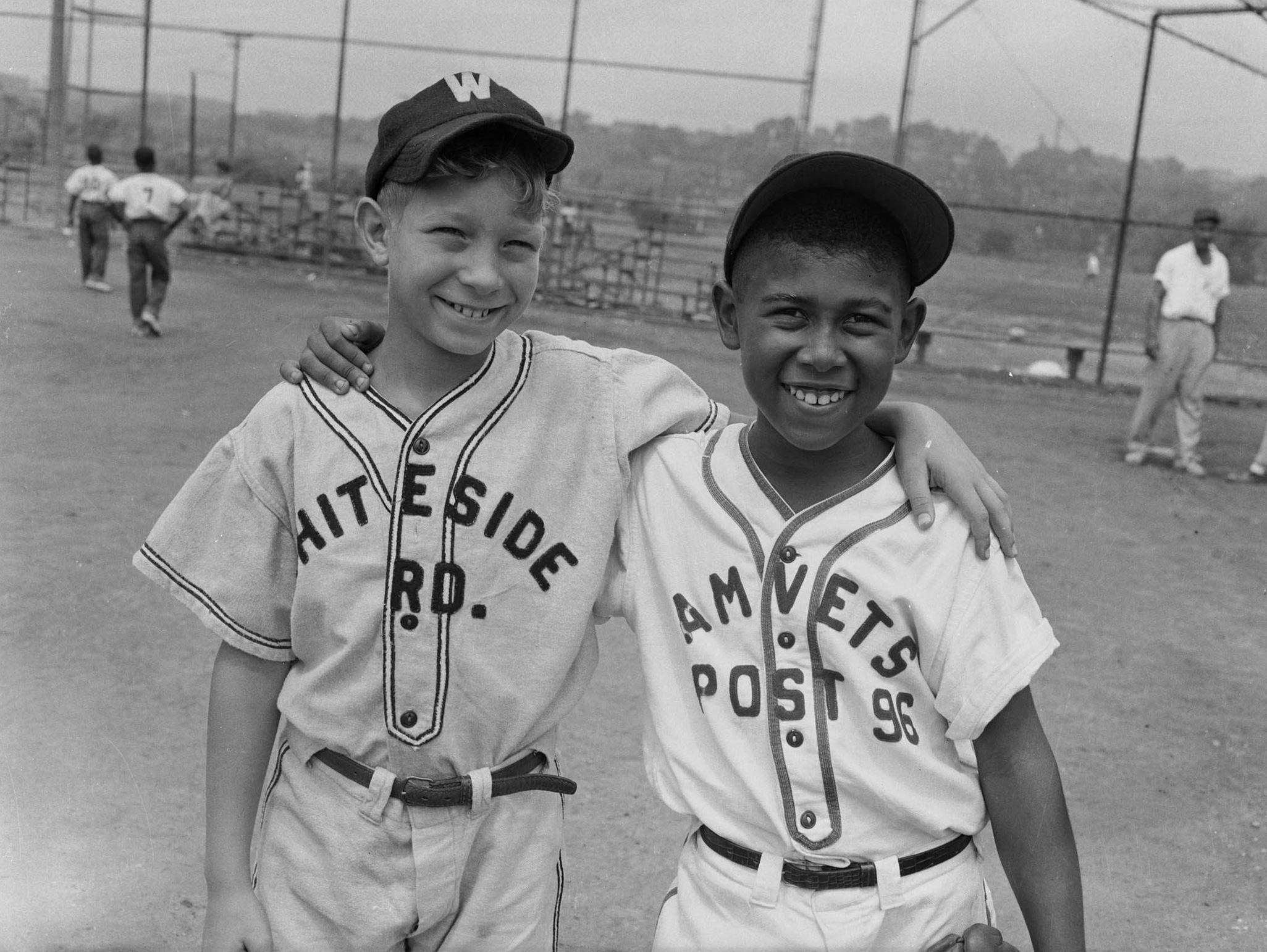 Teenie Harris Eye On The World Of Baseball Baseball History Little League Baseball Sport Outfit Men