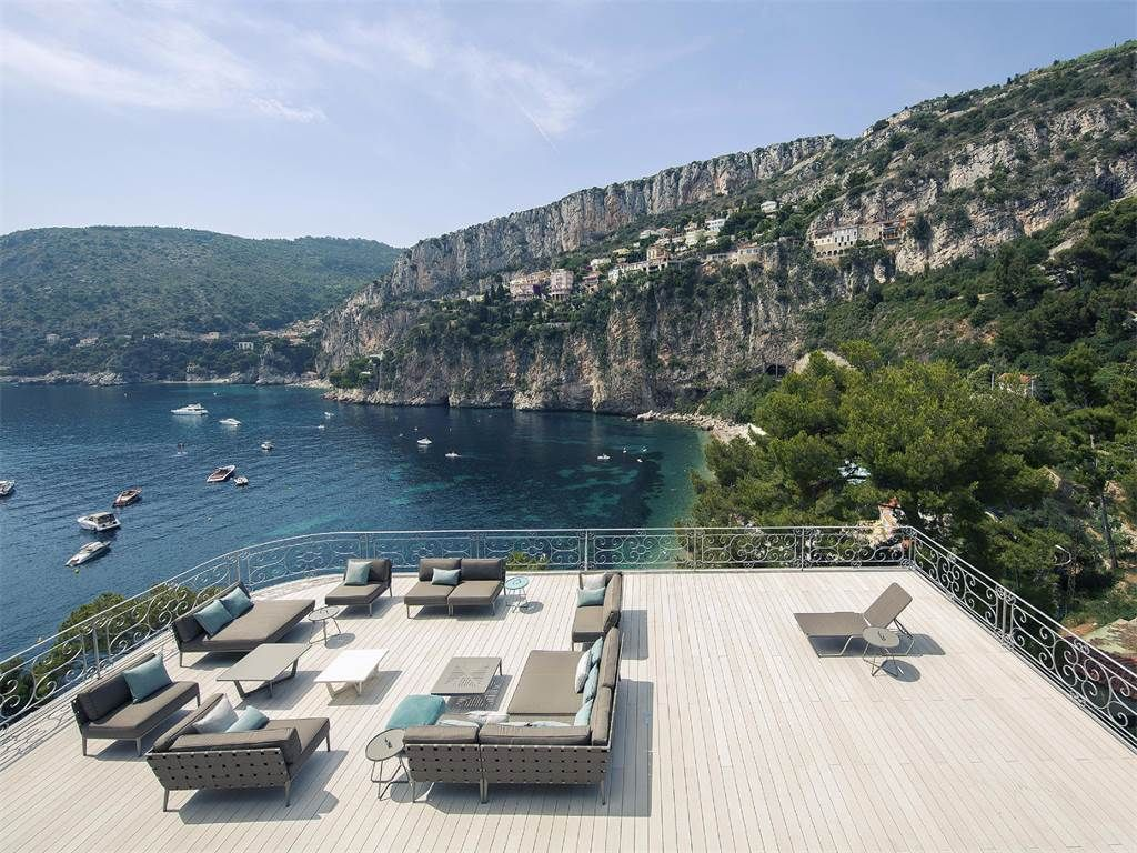 Property Of 'Waterfront' villa in Cap d'Ail - sea views