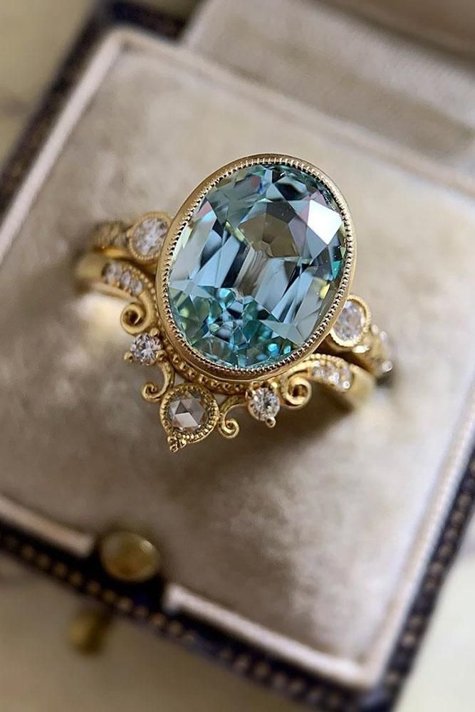 30 Insanely Good Colored Engagement Rings | Wedding Forward #aquamarineengagementring