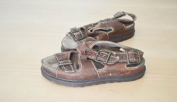 525fd854a424 Vintage Doc Marten Sandals Airwair