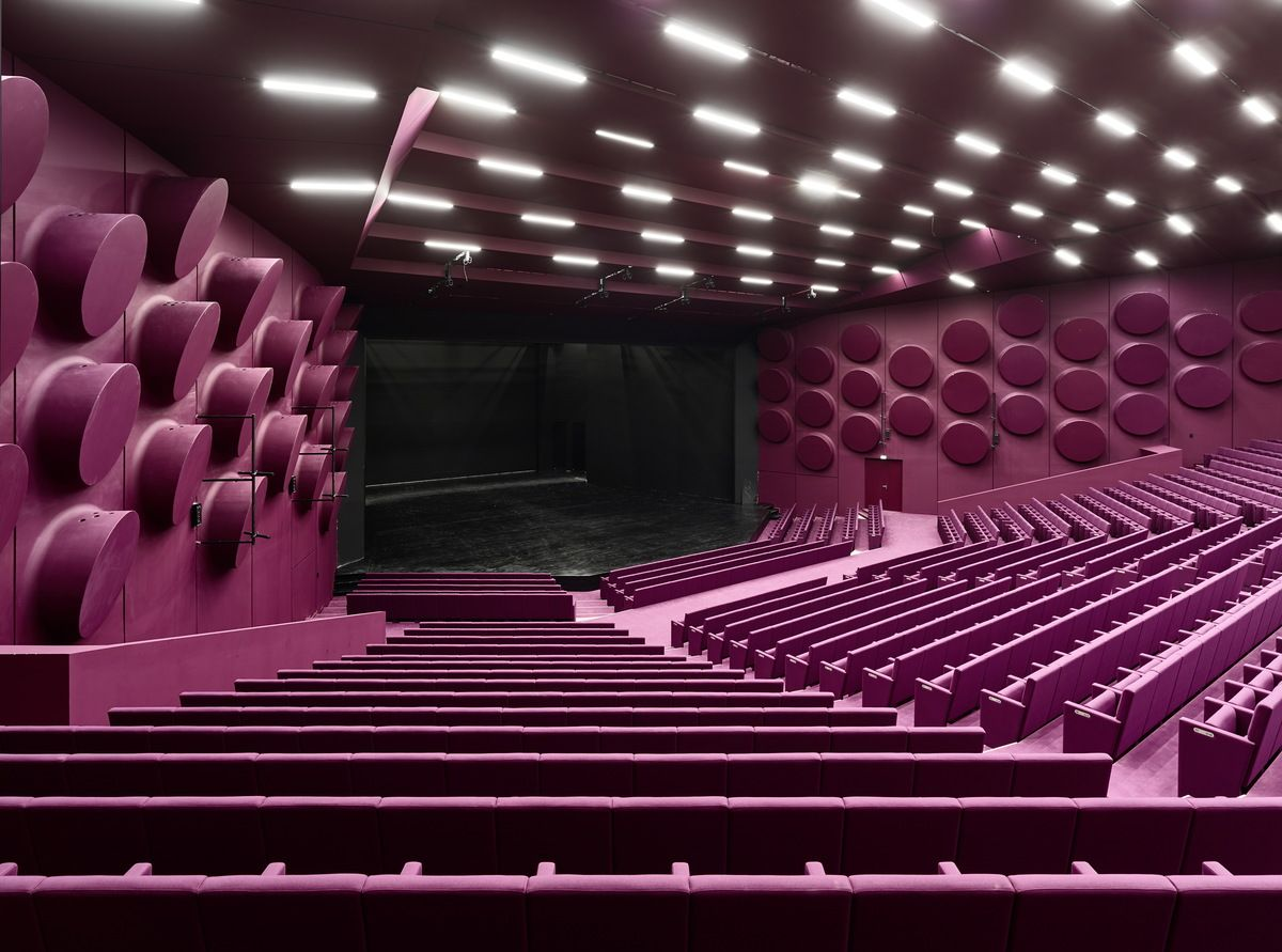 Palais De La Musique Et Des Congres Strasbourg Convention Centre Strasbourg Dietrich Untertrifaller Architekten Archinect Auditorium Design Cinema Design Cinema Architecture