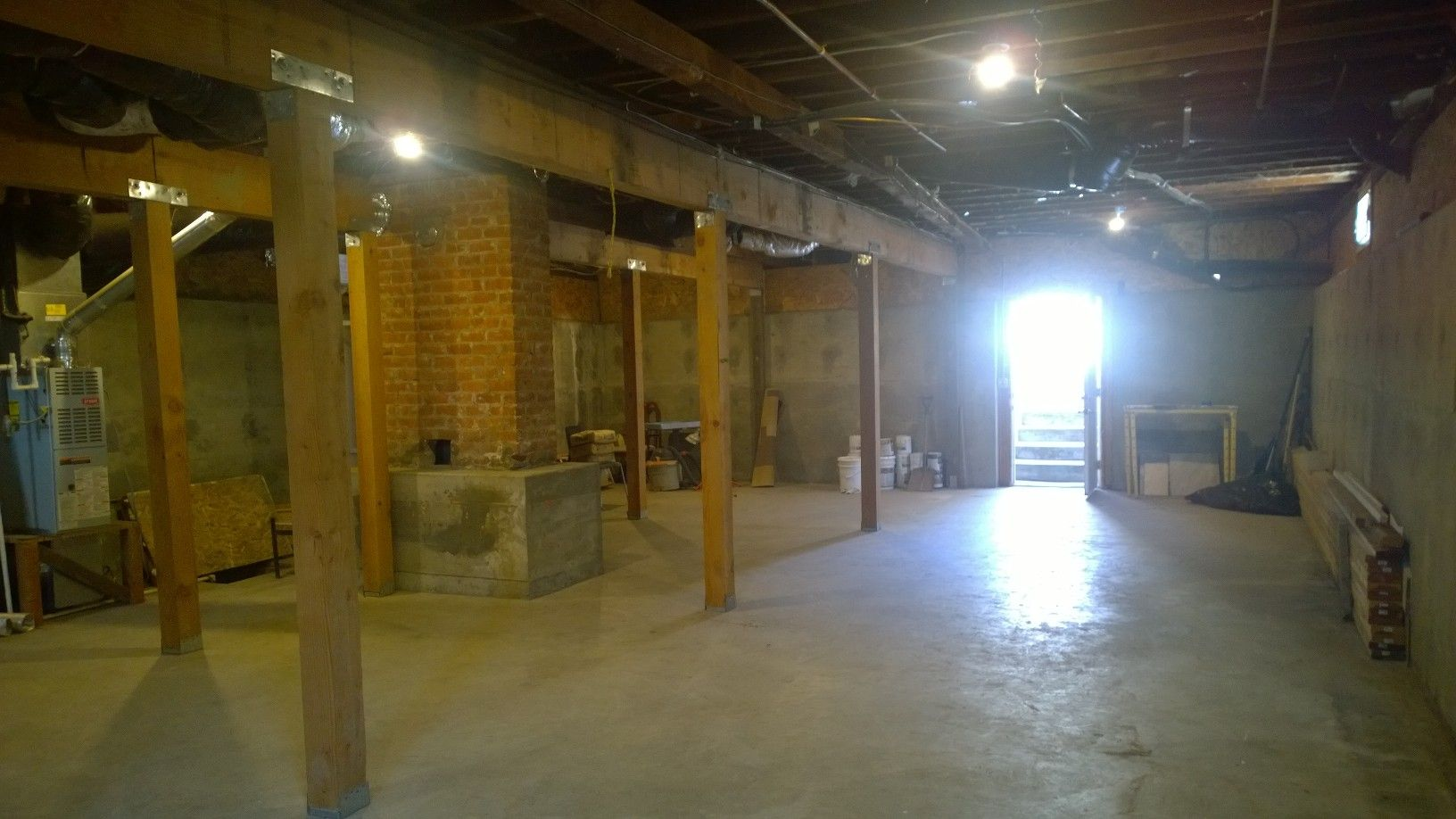 Full basement with exposed ceilings exposed ceilings