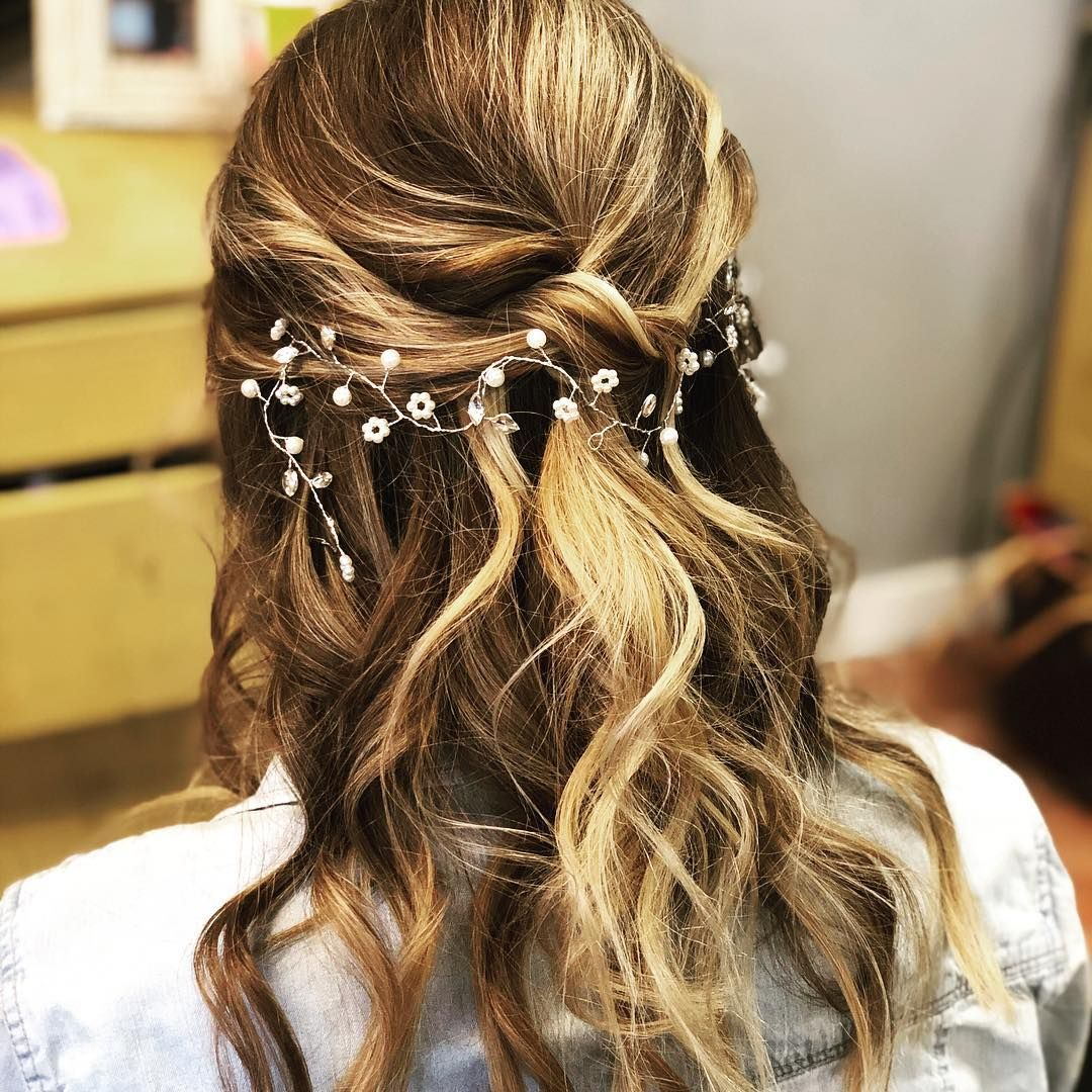 30 Beach Wedding Hairstyles Ideas Designs: [New] The 10 Best Hairstyles (with Pictures)