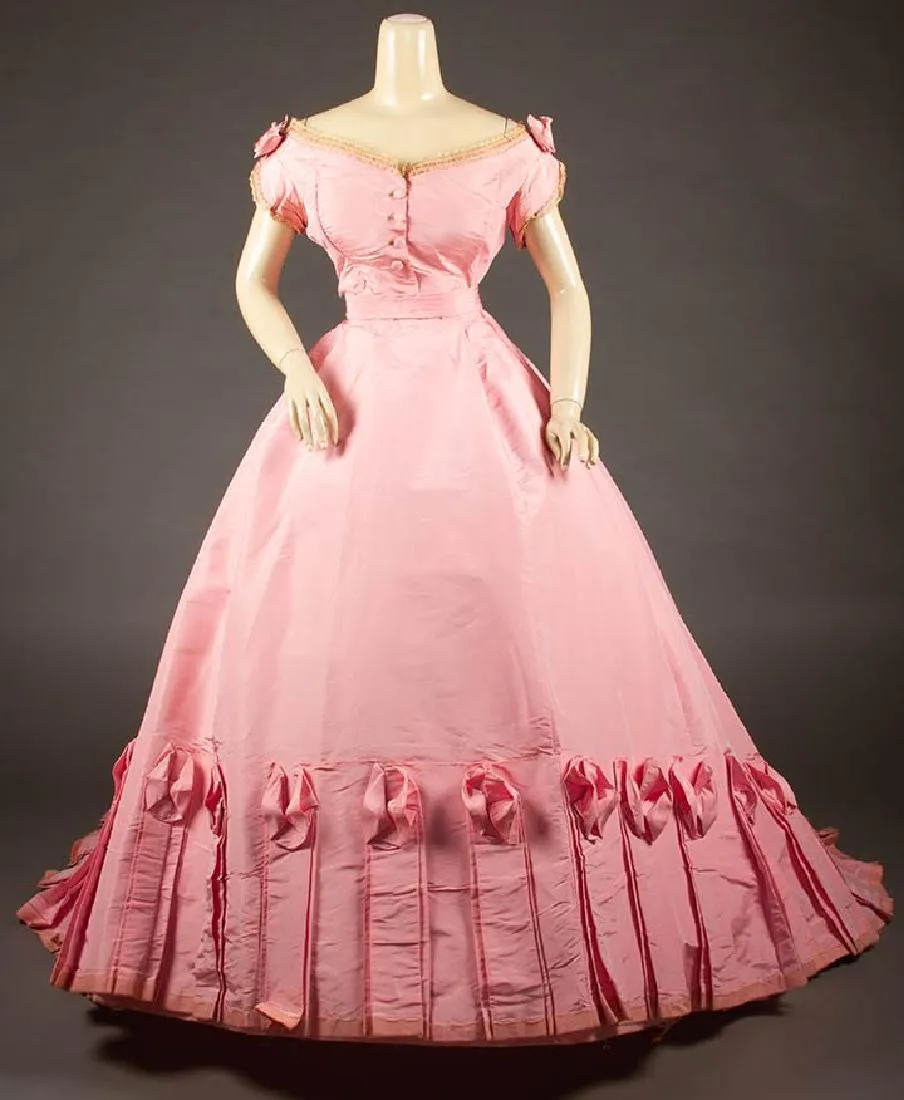 Mon Vignon Pink Ball Gown Paris 1860s Oct 24 2018 Augusta Auctions In Ny In 2021 Historical Dresses Fashion Vintage Dresses [ 1100 x 904 Pixel ]