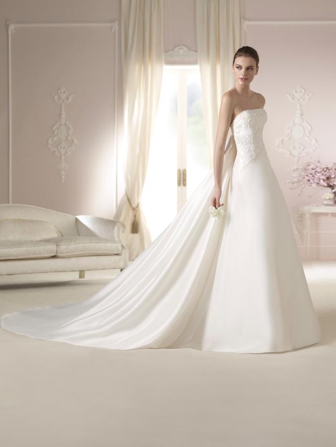 Vestido de #novia con corte de princesa y palabra de honor. Modelo ...