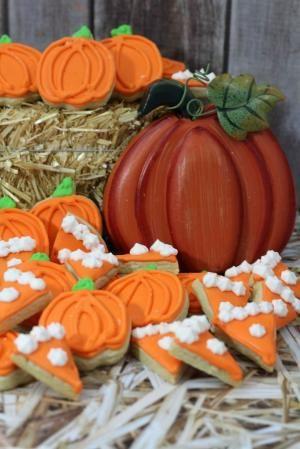 Mini Pumpkin Cookies by MyLittleCornerOfTheWorld