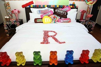 I want to stay in this candy-themed hotel room!