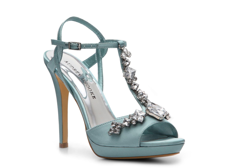 Audrey Brooke Crystal Platform Sandal #DSW | Sapatos