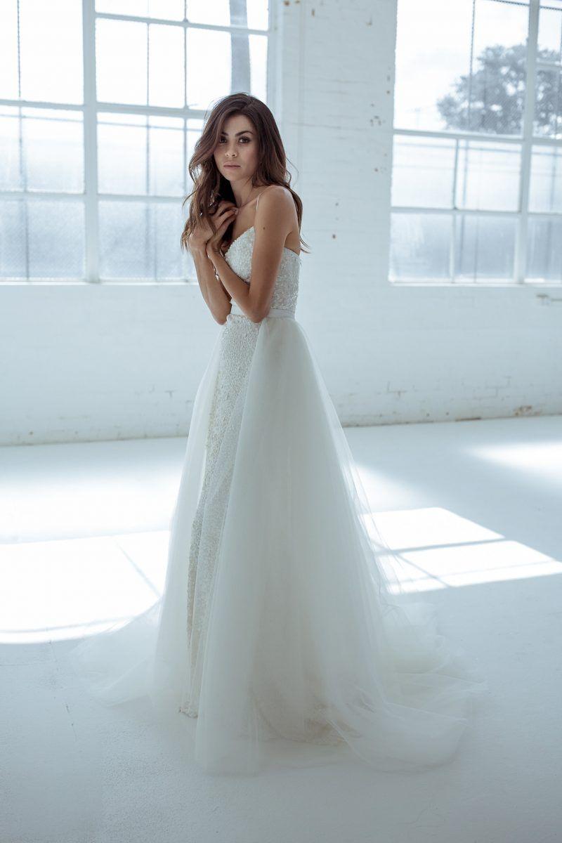 Alice Train - PaperswanBride | wedding | Pinterest | Alice, Wedding ...