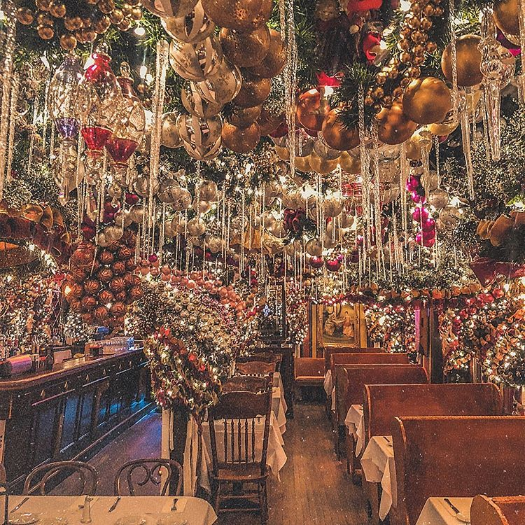 Christmas Restaurant Nyc.Rolf S German Restaurant Nyc Travel In 2019 New York