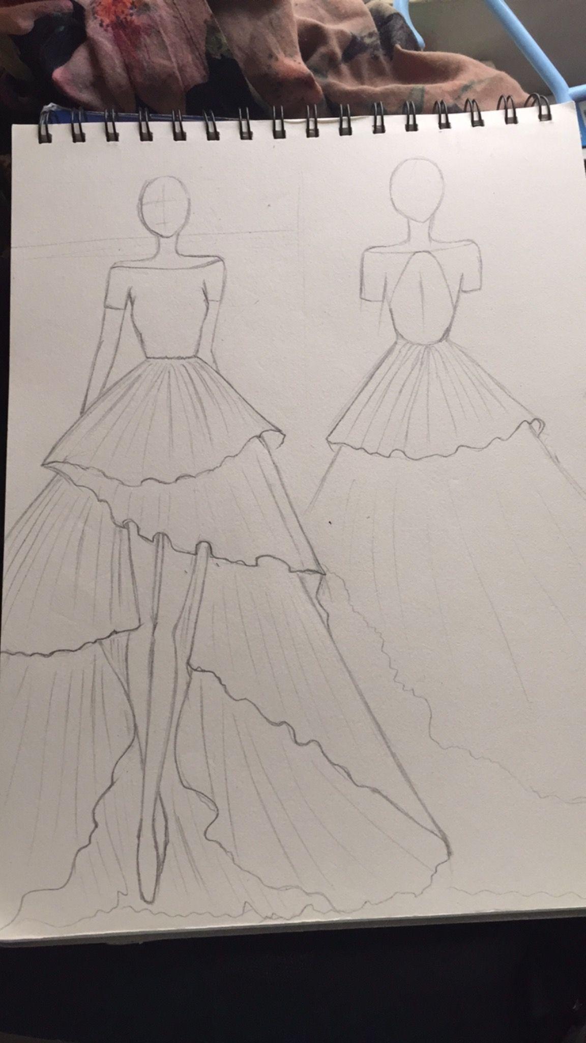 Pin De Ayesha Rehman En My Love Cuaderno De Bocetos De Moda Ilustraciones De Diseno De Moda Dibujo De Diseno De Vestido