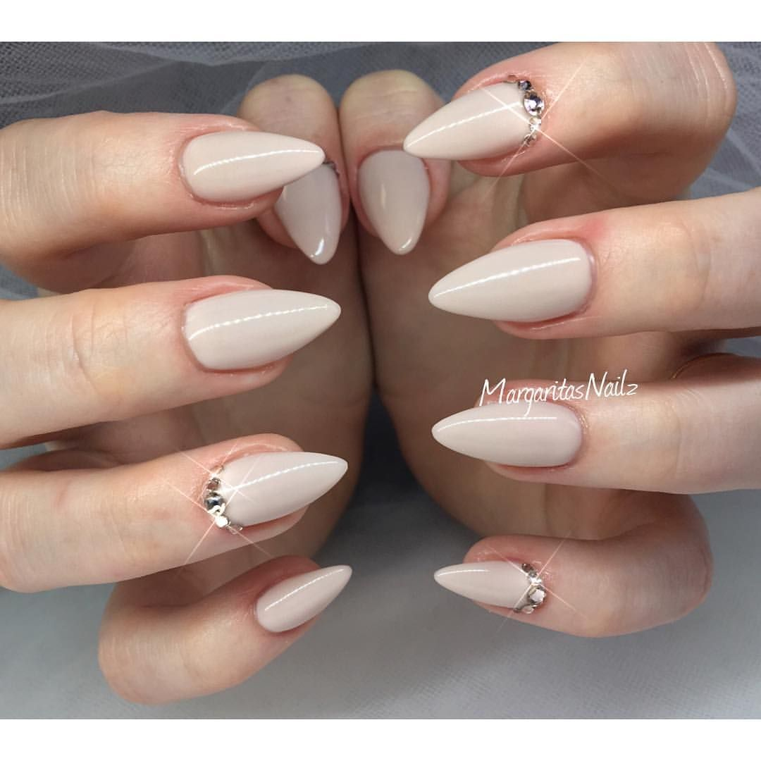 nude almond nails margaritasnailz pinterest nageldesign. Black Bedroom Furniture Sets. Home Design Ideas