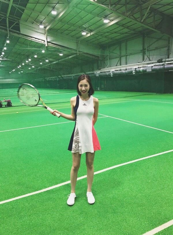 テニスウェアの田原可南子
