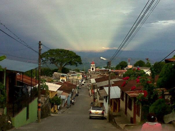 municipio de Victoria, Departamento de Caldas, paìs de Colombia. AMANECER