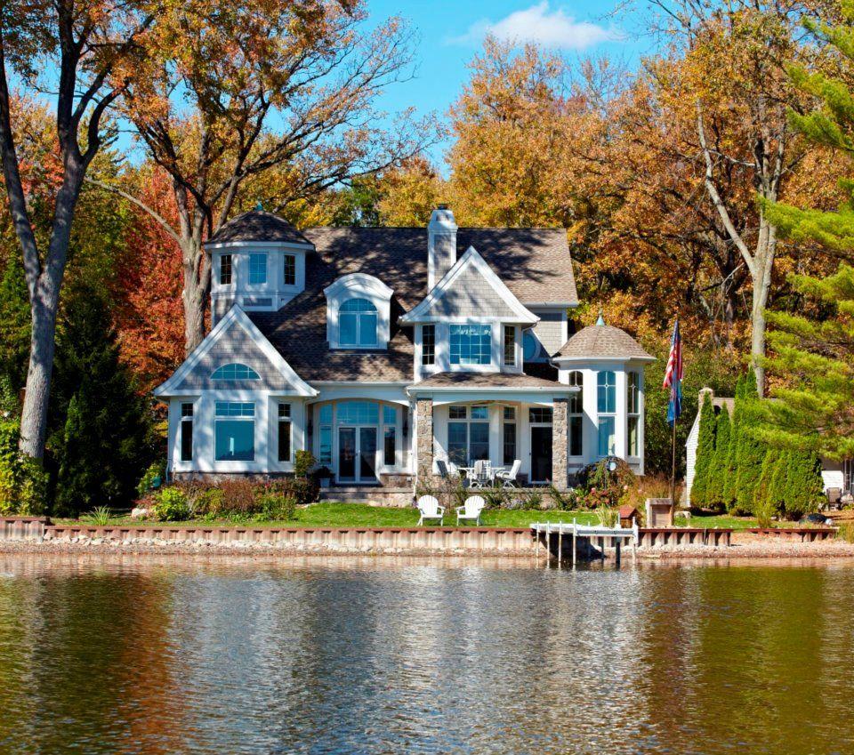 Beautiful Lake House Homes: Lake House In The Fall