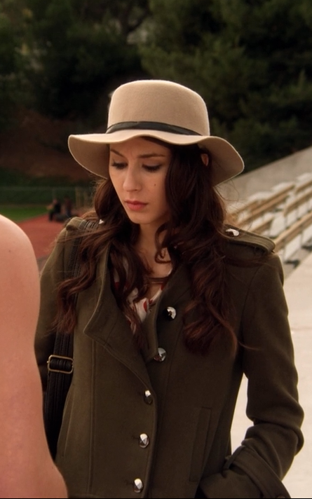 spencer hastings // pretty little liars  hat and trenchcoat -- get on me now.