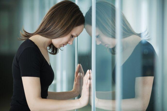 Por que repetimos atitudes que nos fazem mal? | Saúde Um Desafio