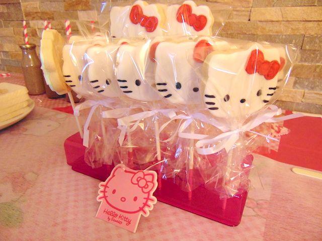 Galletas de Hello Kitty glaseadas-Hello Kitty glazed decorated butter cookies