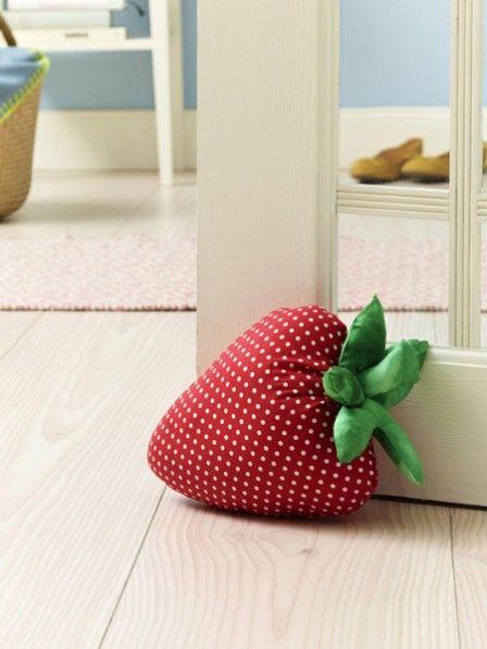 t rstopper in form einer erdbeere erdbeeren t rstopper und n hen. Black Bedroom Furniture Sets. Home Design Ideas
