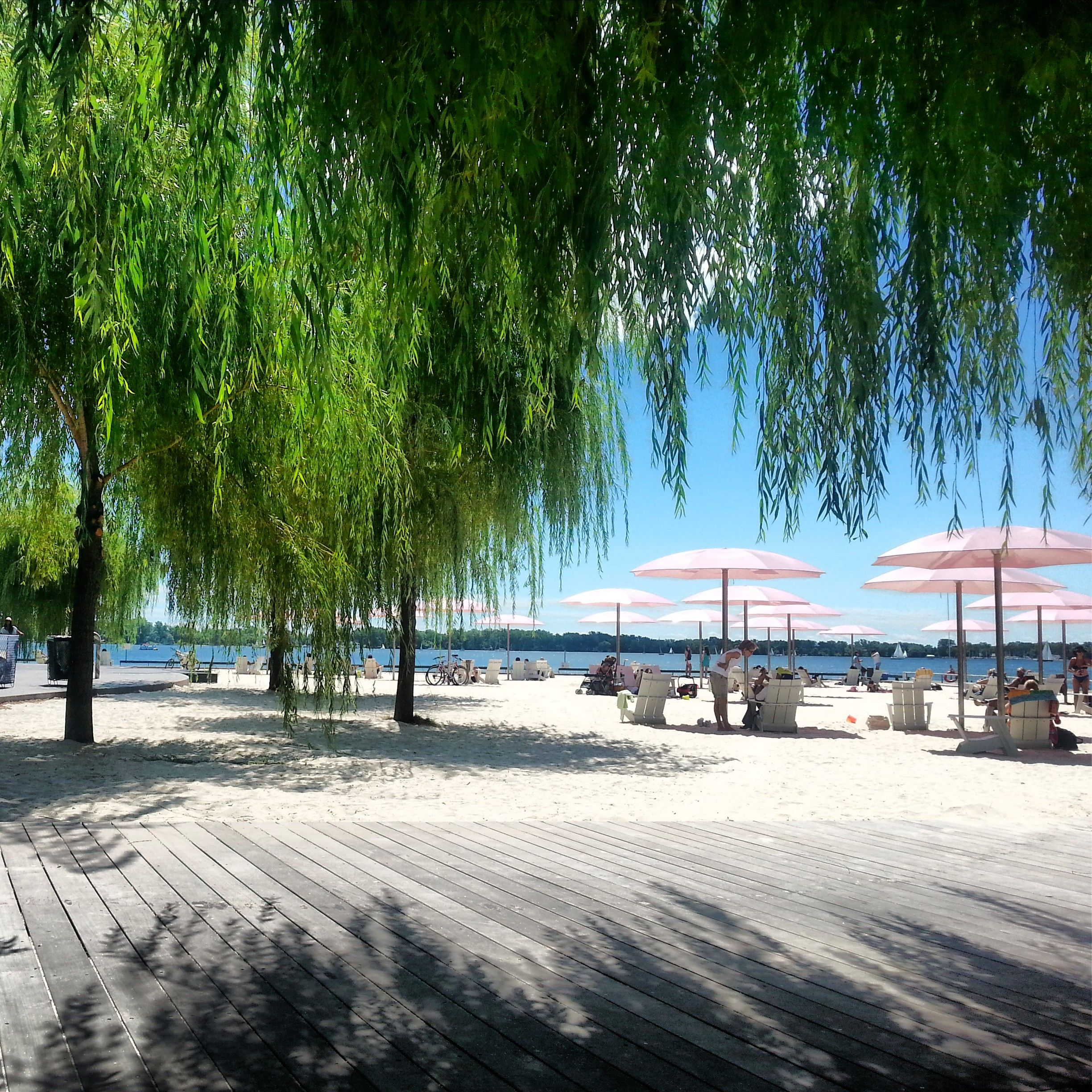 Best Quiet Places To Travel: The Quiet Little Boardwalk By Sugar #Beach In #Toronto Had