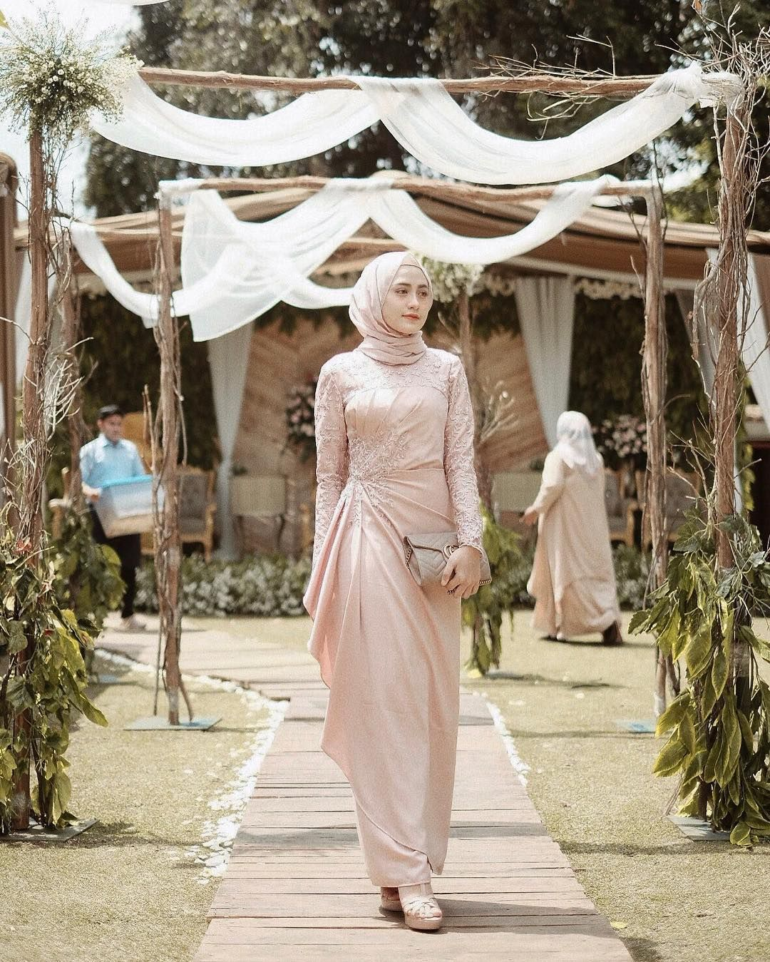 Image May Contain 1 Person Outdoor Dress In 2019 Kebaya Muslim