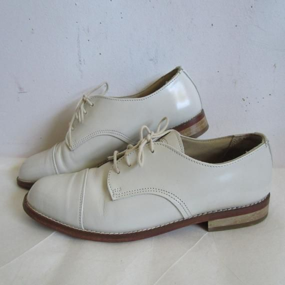 a82c42510bc 80s White Leather Roots Canada Shoes Lace up Oxford All Leather Made in  Canada Loafer 1980s Leather