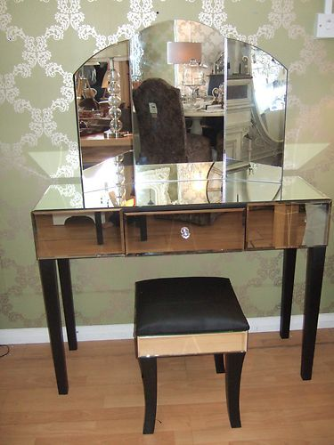 1000+ images about DRESSING TABLES on Pinterest | Mirrored dresser ...