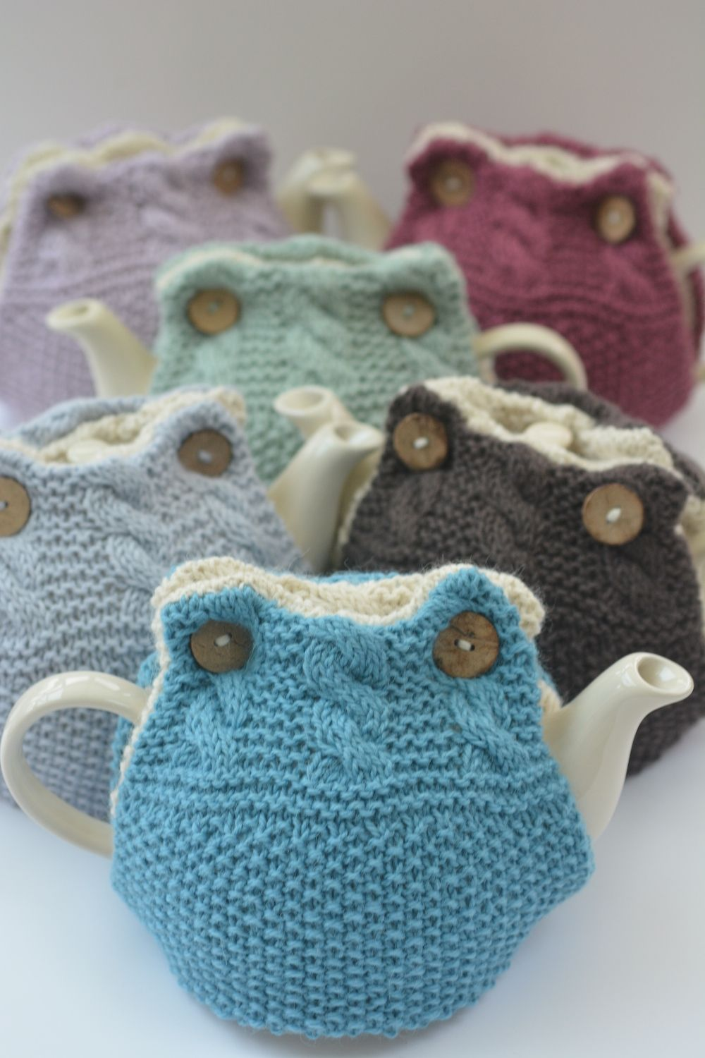 Emily Tea Cosy http://www.ravelry.com/patterns/library/emily-tea ...