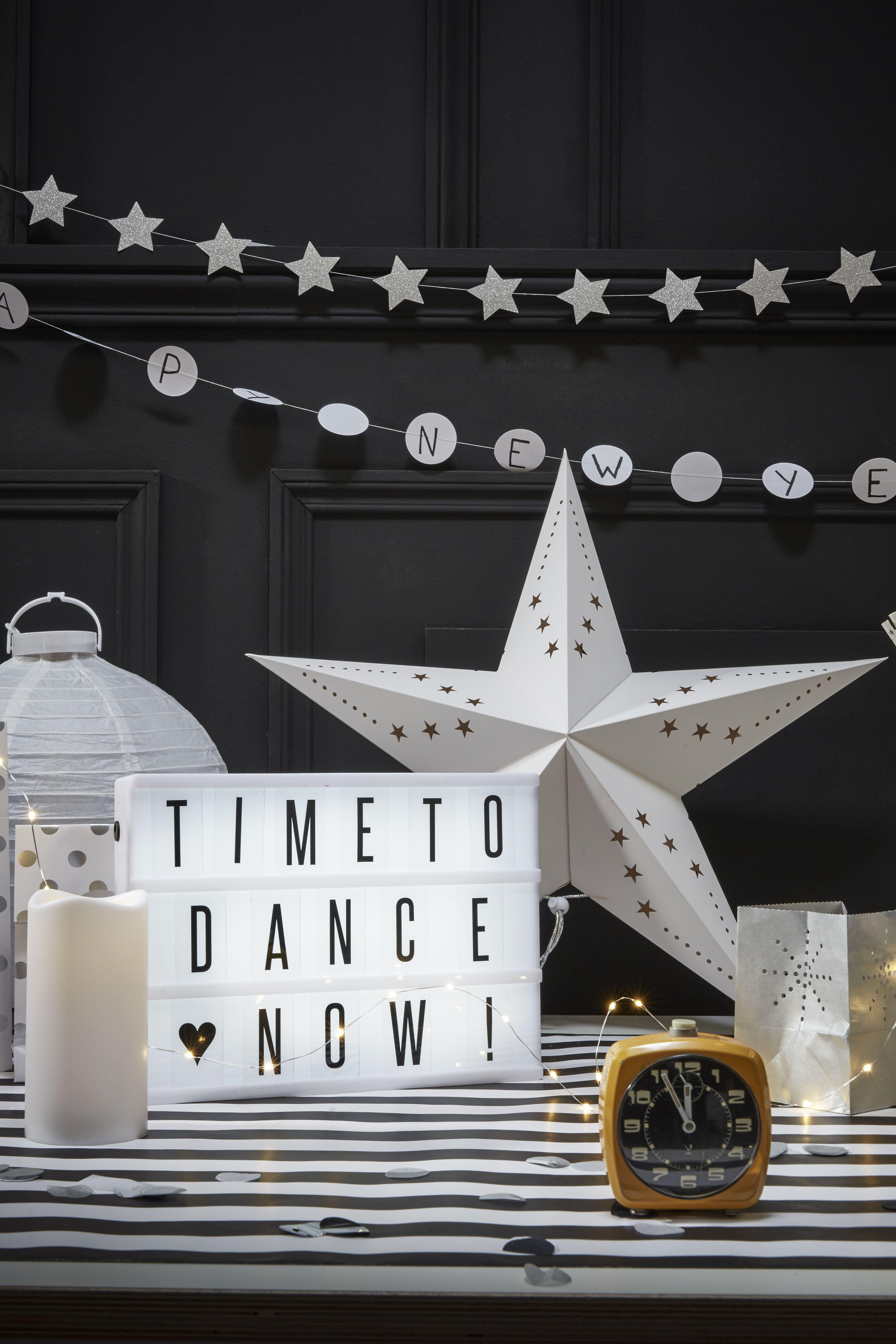 Decoration De Salle Pour Nouvel An lightbox blanche, étoile carton, réveil, lampion, réveil