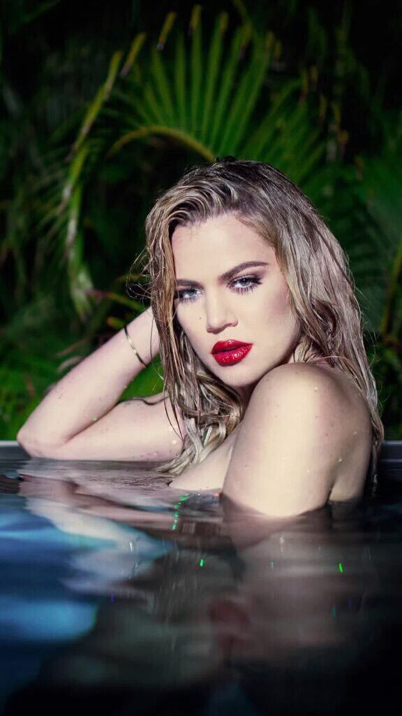 b787edc5fd Khloe Kardashian shares naked photos of herself in a swimming pool