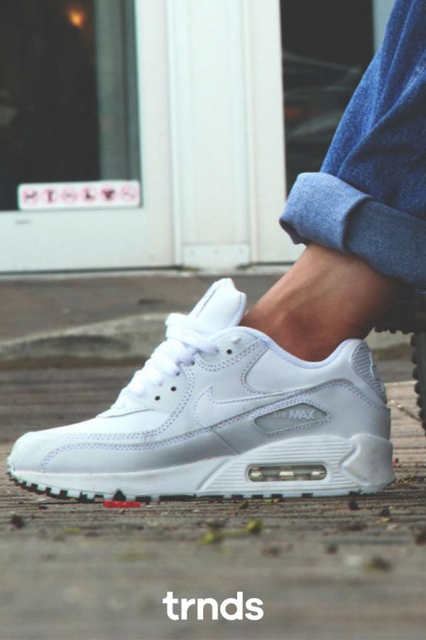 Nike Air Max 90 'Denim'. Nike SNKRS
