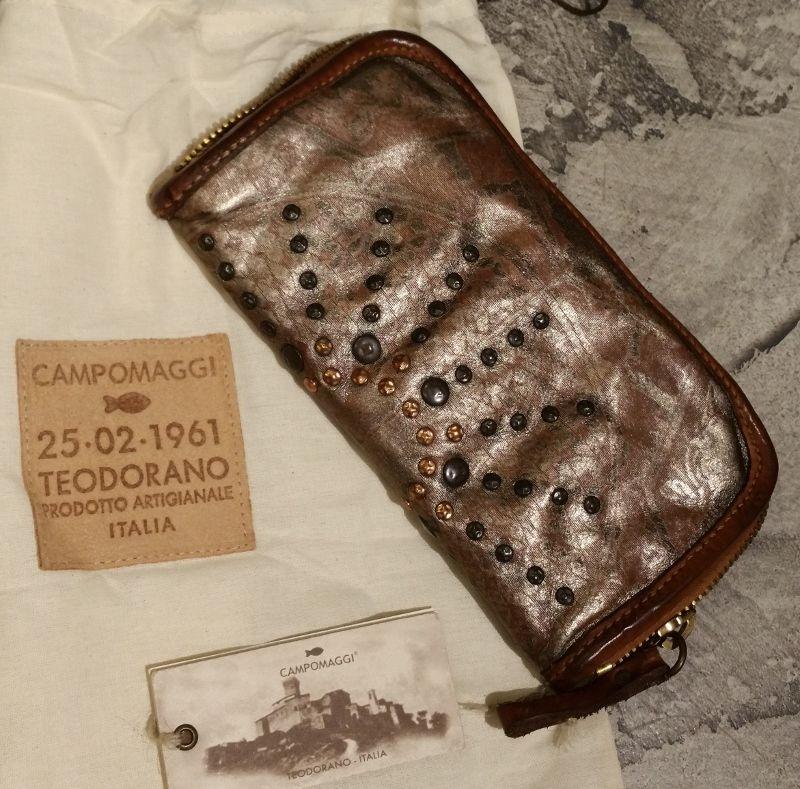 09ff8ee3c2e CP0060 LAVL Ultimo presentato della vasta gamma dei portafogli Campomaggi,  Pelle lavata colore acciaio e