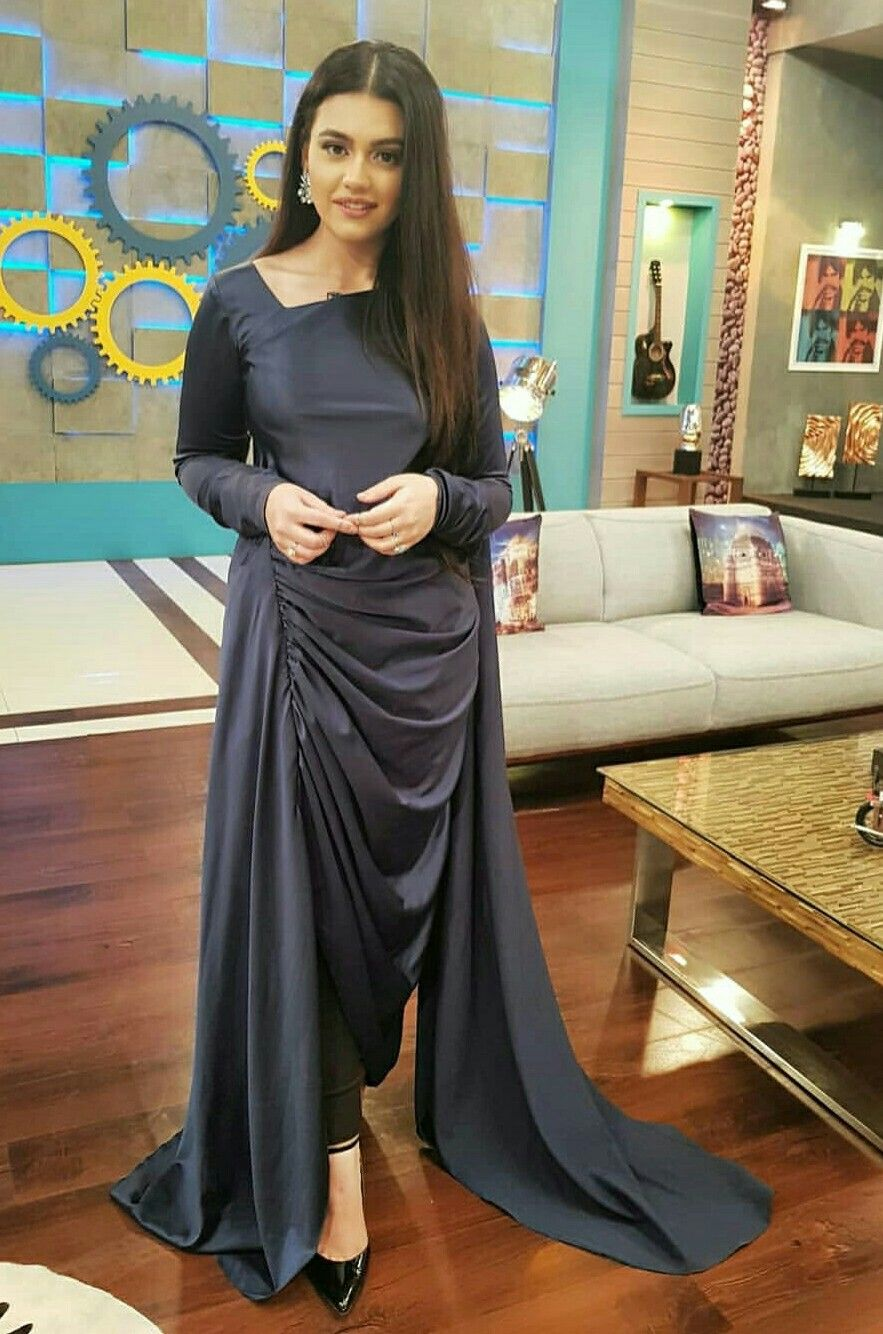 c11948da Zara Noor Abbas | Celebrities in 2019 | Party wear dresses, Fashion ...
