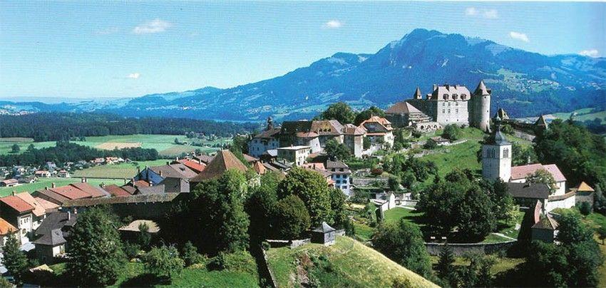 """Résultat de recherche d'images pour """"ville de Gruyères"""""""